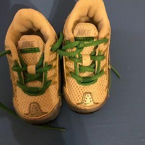 EUC Toddler Size 3 Nike's